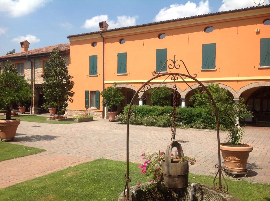 Divani Chesterfield Brescia ~ Idee per il design della casa
