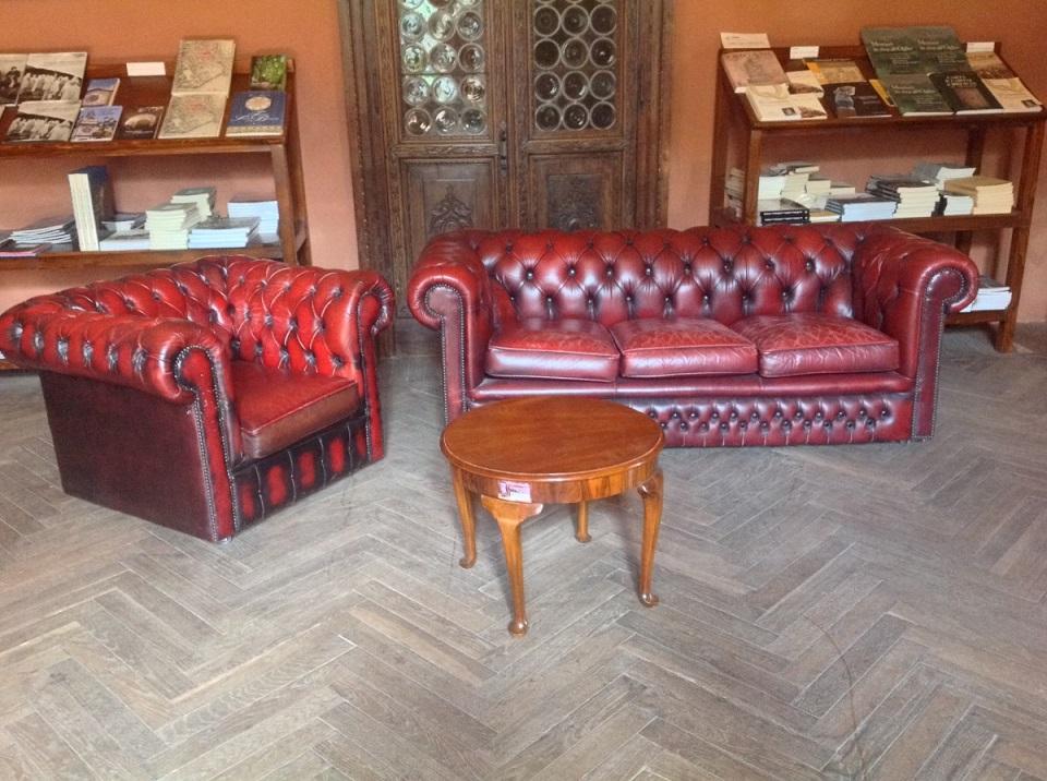 Divani Chesterfield Originali - Mobili antichi - Tavelle e ...