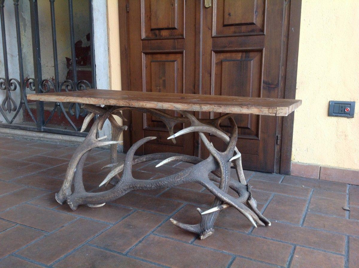 Tavolino in corna di cervo for Corna cervo