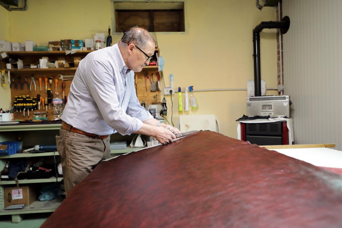 Baratti Antichità Brescia: upholstery service specializing in vintage chairs and sofas
