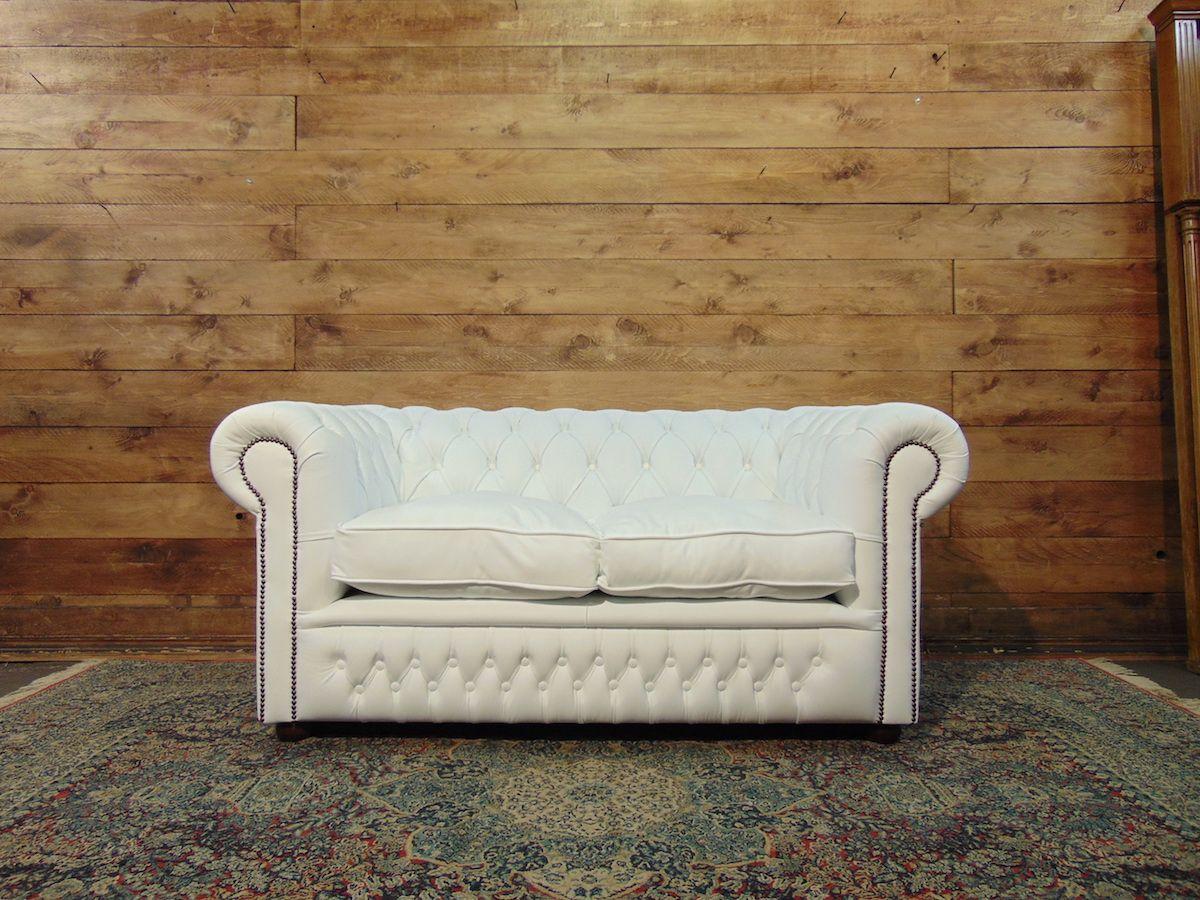 Divano Chesterfield 2 posti nuovo in vera pelle originale inglese color bianco dsc02059.jpg