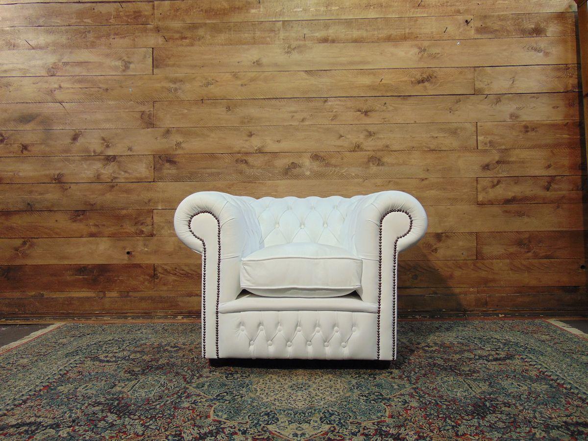 Poltrona Chesterfield Club nuova in vera pelle originale inglese color bianco dsc02061.jpg