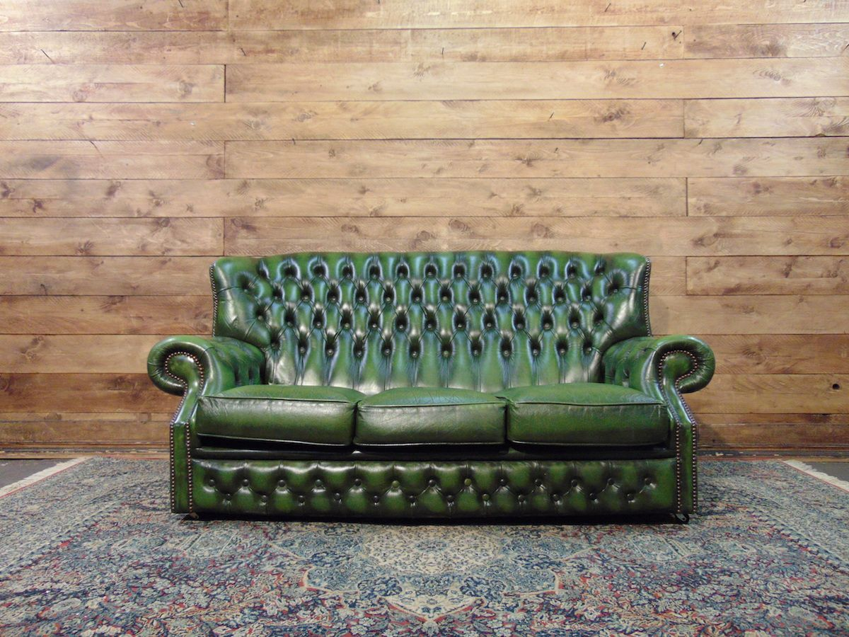Divano Chesterfield Monk originale inglese vintage in vera pelle color verde dsc01914.jpg