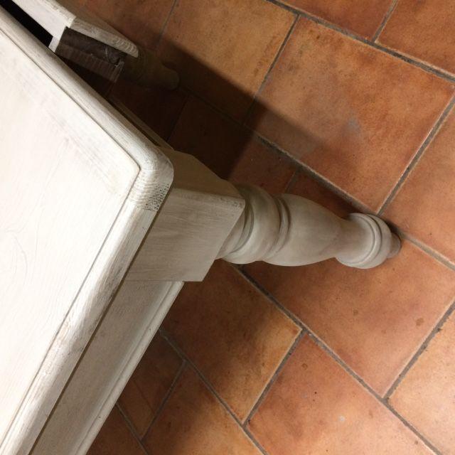 Tavolo da osteria costruito a mano in abete color grigio img_4101.jpg