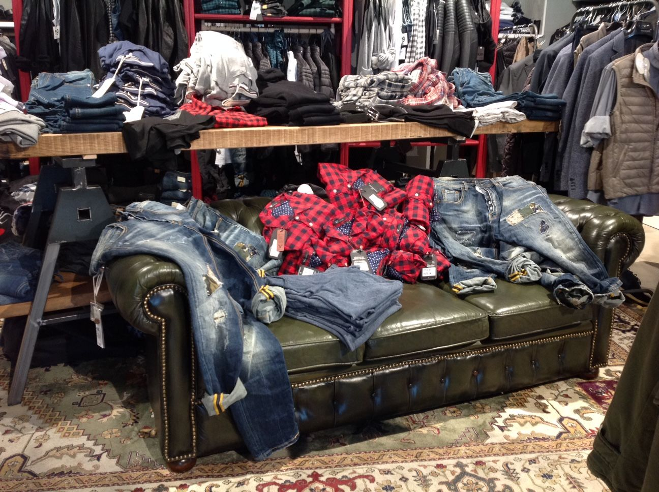 """Allestimento presso il negozio """"Milano moda"""" a Trezzo d'Adda img_4721.jpg"""