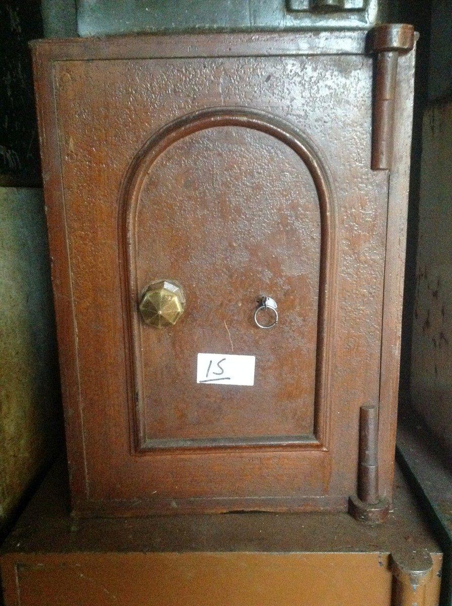 Original English Victorian iron safe foto21-02-151045442.jpg