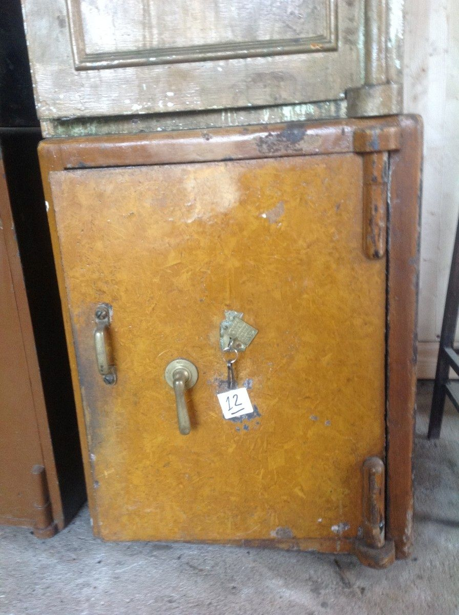 Cassaforte originale inglese di epoca vittoriana in ferro foto21-02-151045432.jpg