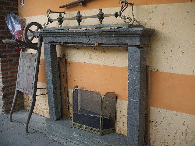Camino in pietra color grigio scuro 042914585314_b.jpg