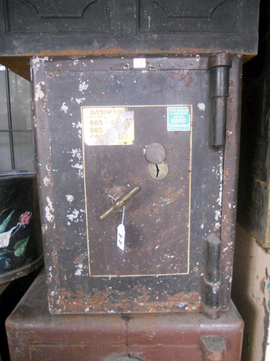 Cassaforte originale inglese di epoca vittoriana in ferro dscn4326-1200.jpg