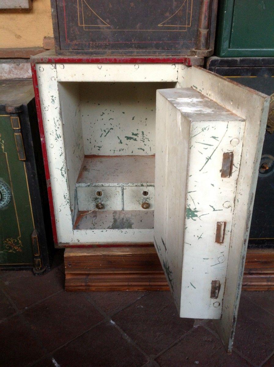 Cassaforte originale inglese di epoca vittoriana in ferro img_2121-1200.jpg