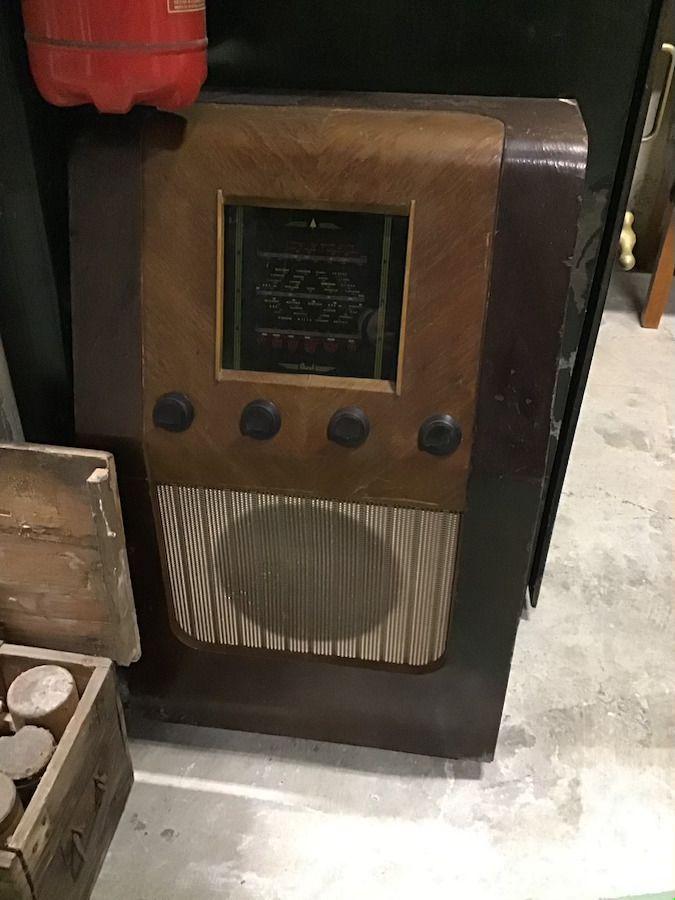 Vintage radio img_0442.jpg