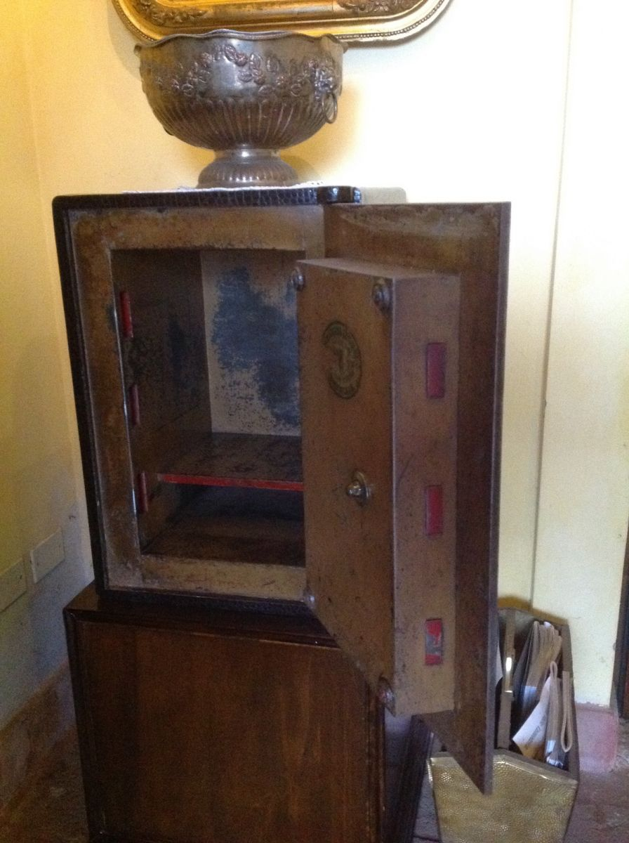 Example of an original English Victorian iron safe img_5867.jpg