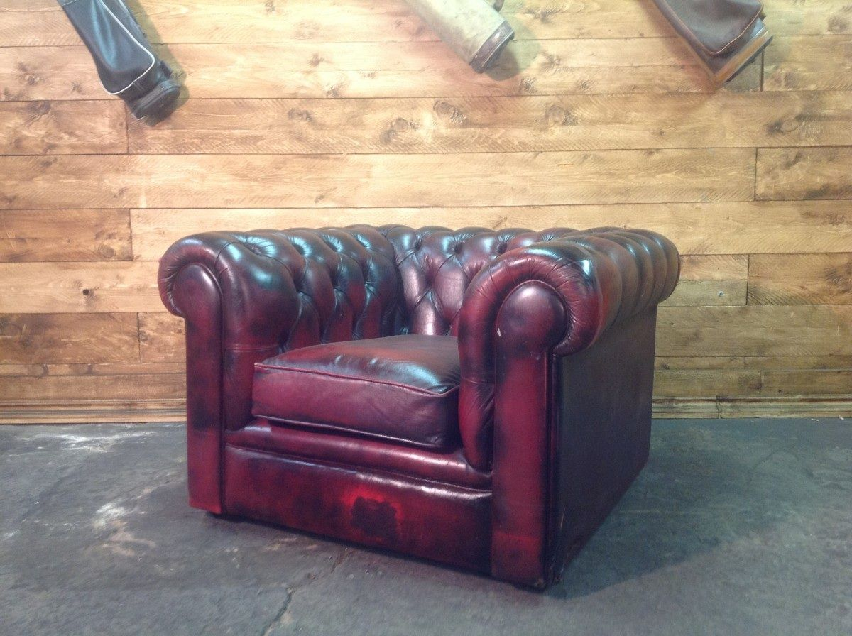 Poltrona Chesterfield Club originale inglese vintage in vera pelle color rosso foto04-04-15093848.jpg