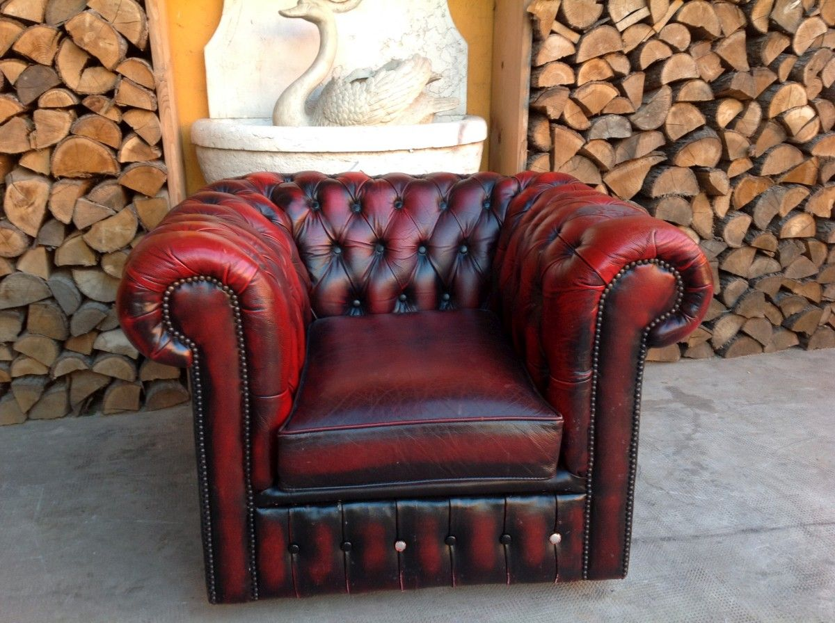 Poltrona chesterfield club originale inglese vintage in vera pelle