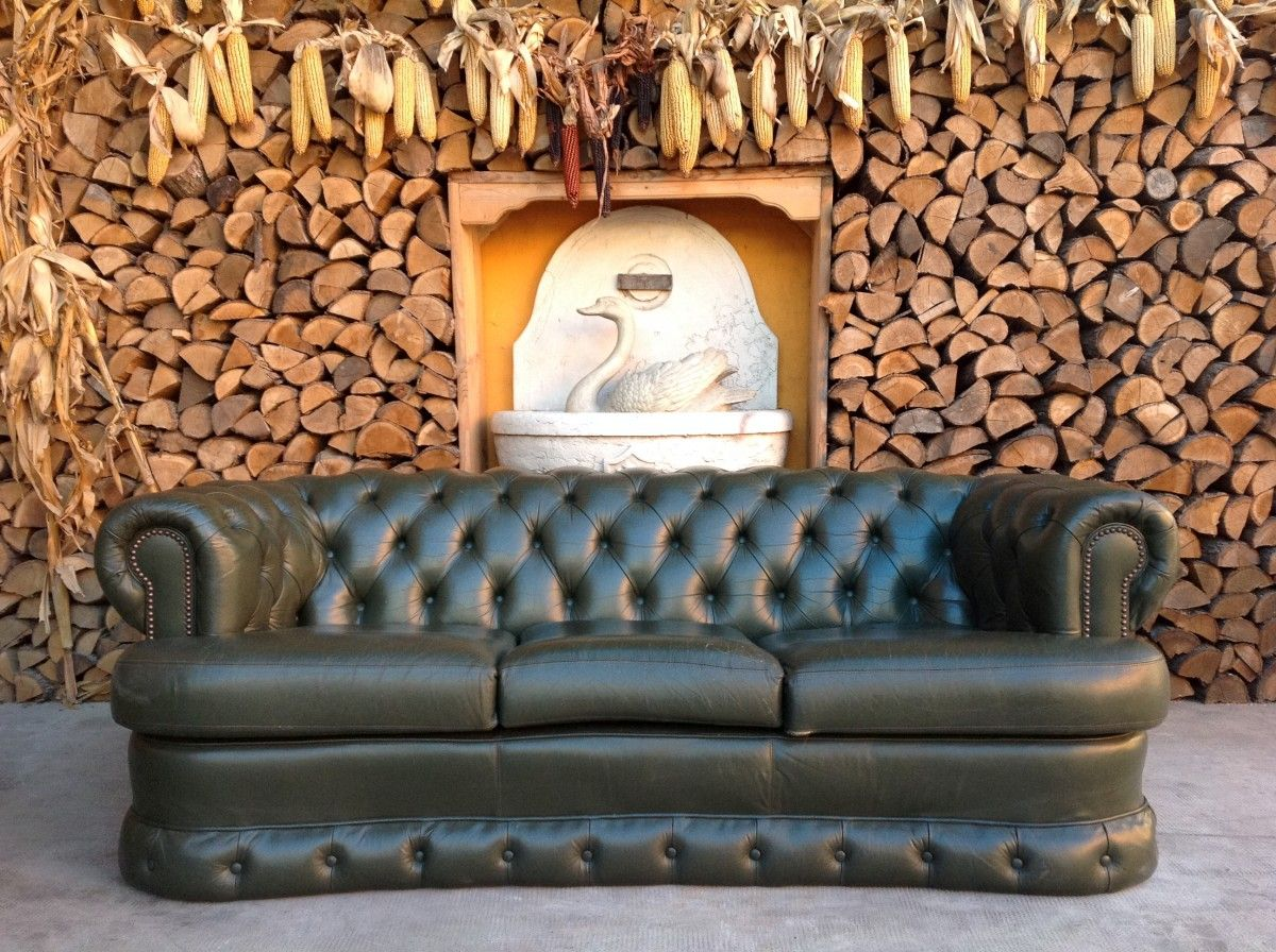 English vintage Chesterfield 3 seater sofa in genuine green leather img_2988-1200.jpg