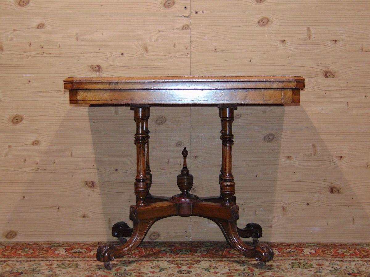Console di radica di noce 1784.jpg