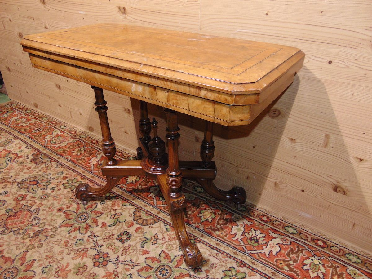 Console in walnut briar 1784....jpg