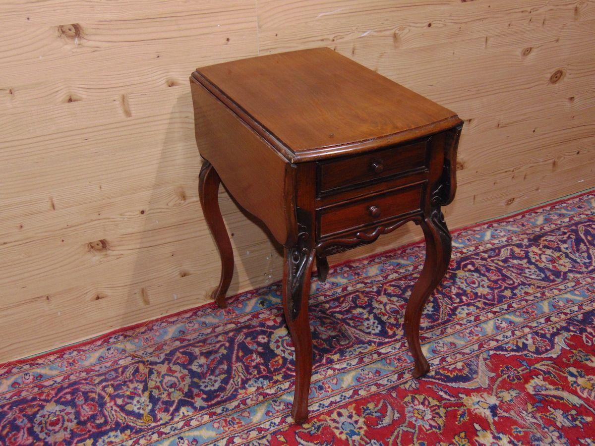 Tavolino a bandelle con cassetti 1735..jpg