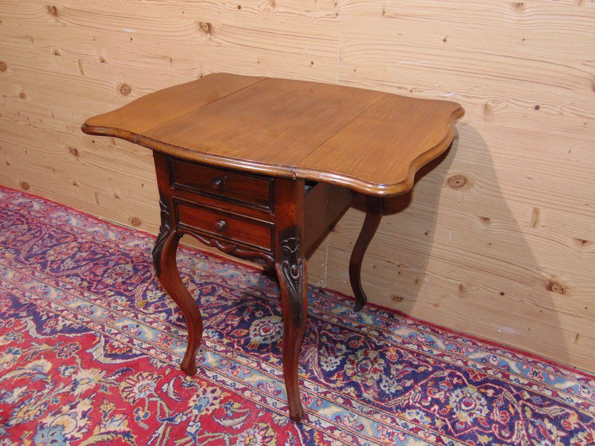 Tavolino a bandelle con cassetti 1735...jpg