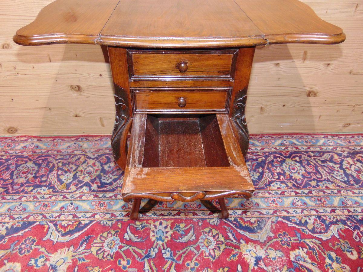 Tavolino a bandelle con cassetti 1735.....jpg