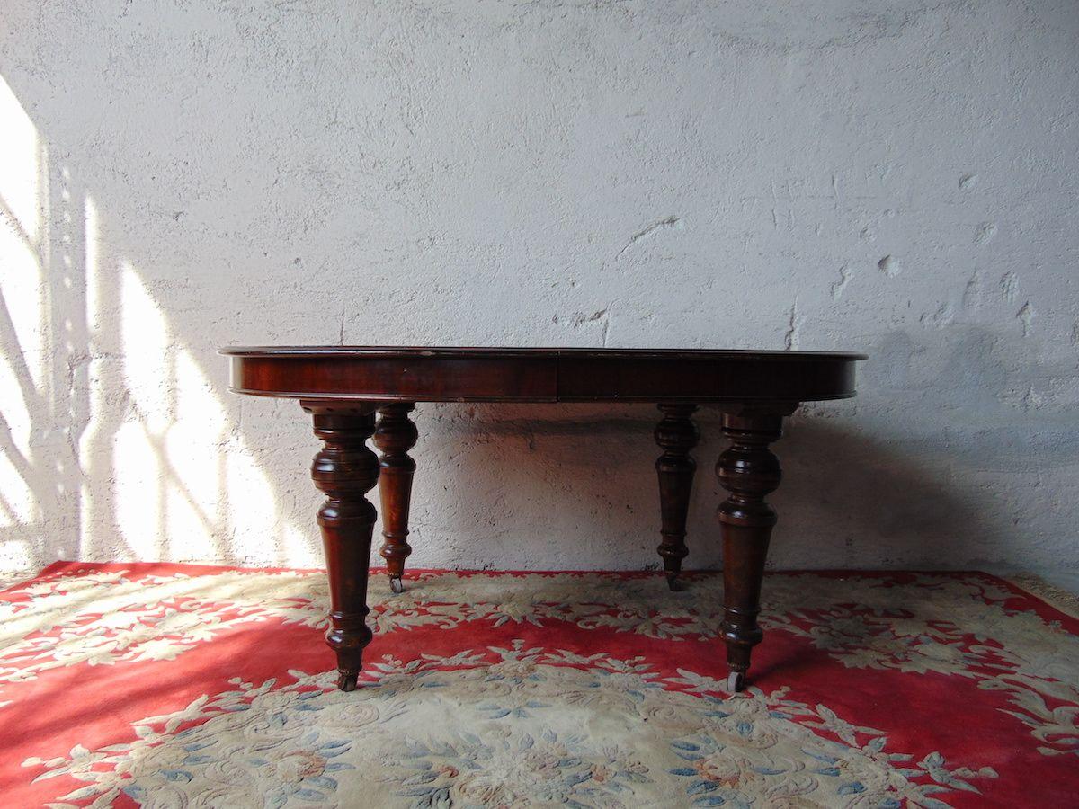 Tavolo in mogano con prolunga Tavolino con prolunga in mogano 3