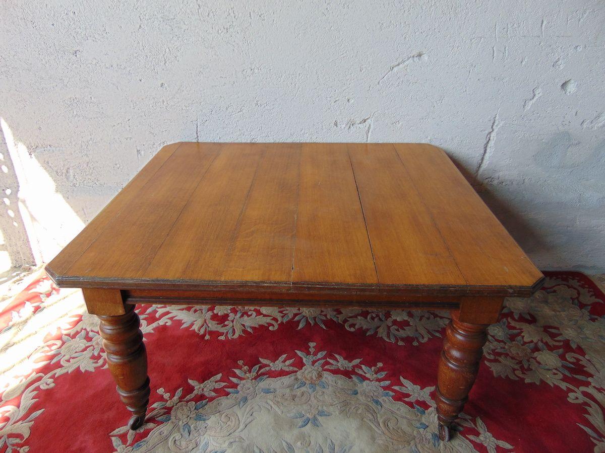 Tavolo con prolunga, in rovere Tavolino con prolunga in rovere 1