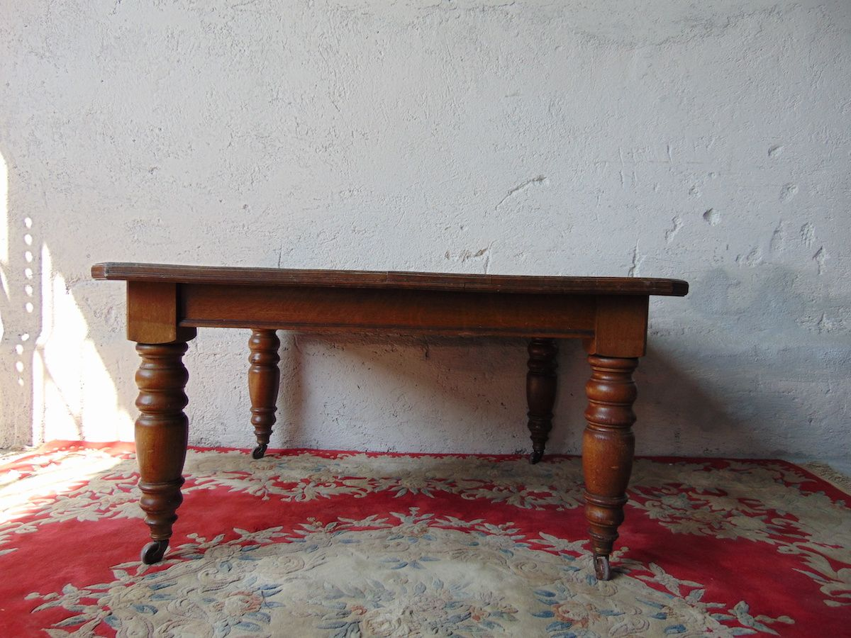 Tavolo con prolunga, in rovere Tavolino con prolunga in rovere 2