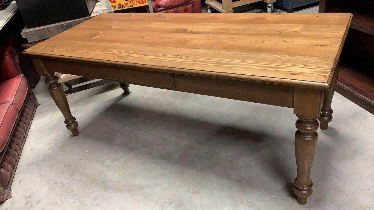 Custom table e0d6709b-e3f3-4d92-b649-545aeda7f8d3.jpg
