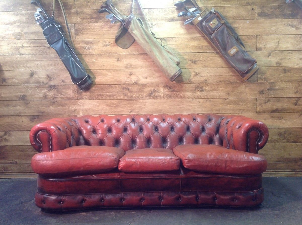 English vintage Chesterfield 3 seater sofa in genuine red leather img_3270-1200.jpg