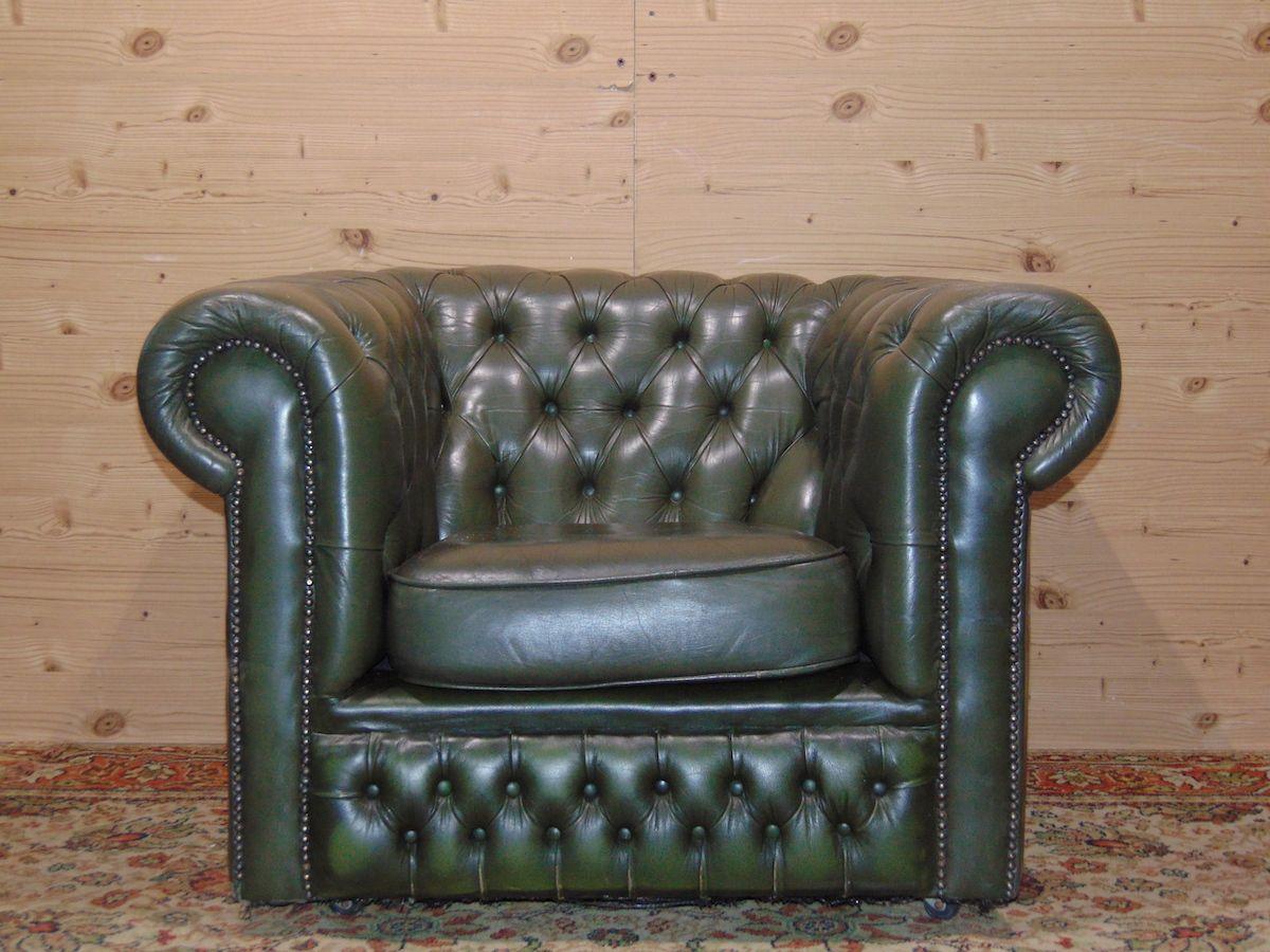 Poltrona Chesterfield verde 1789.jpg