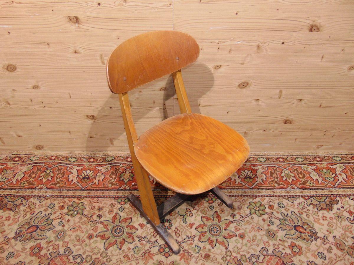 Sedie da scuola in legno 1808....jpg