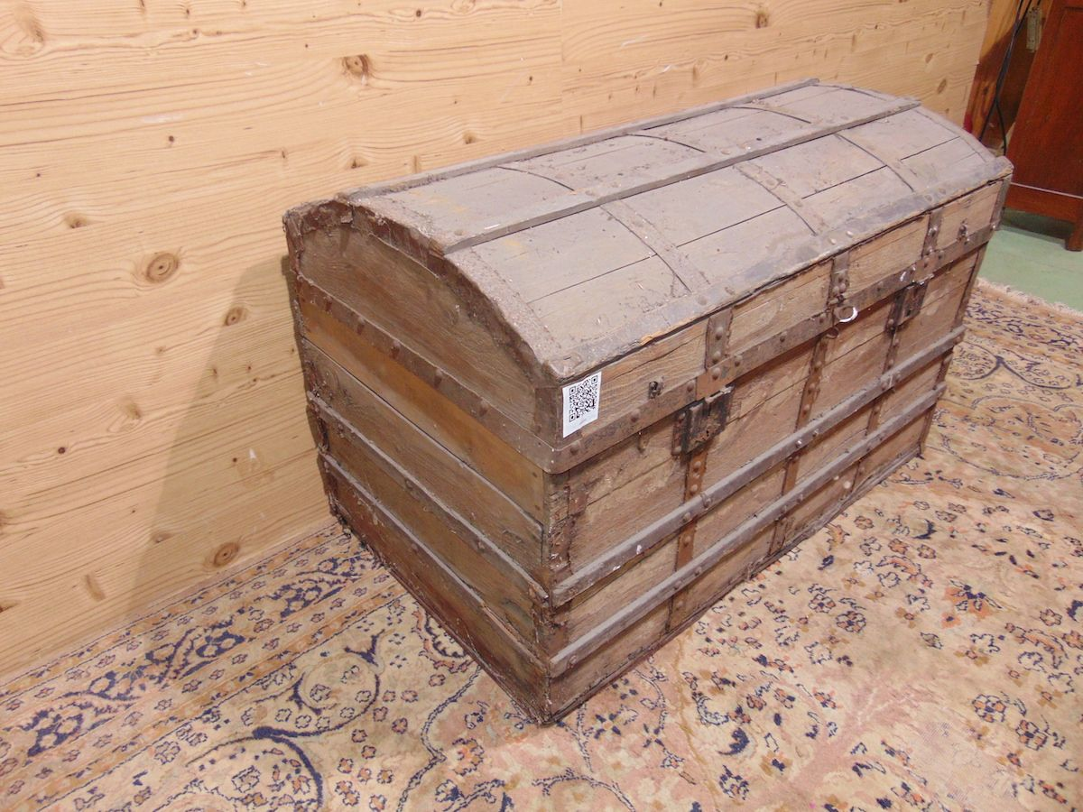 Old wooden trunk 1933...jpg