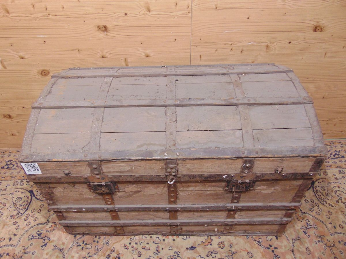 Old wooden trunk 1933..jpg