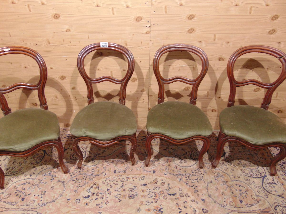 Late 19th century chairs in walnut 1942..jpg