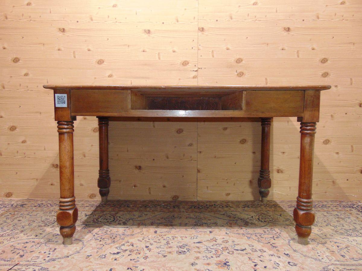 Tavolo/scrittoio in noce con cassetto 1966.jpg