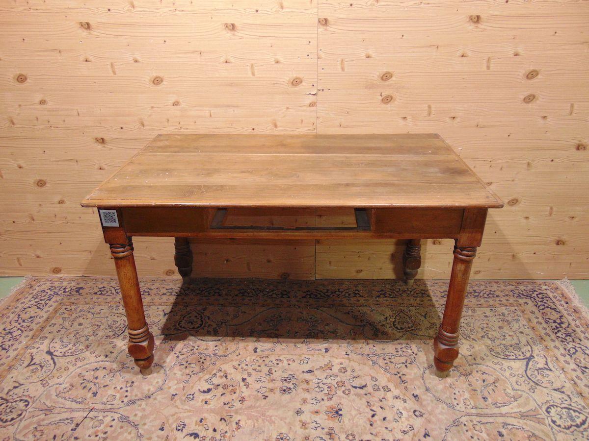 Tavolo/scrittoio in noce con cassetto 1966..jpg