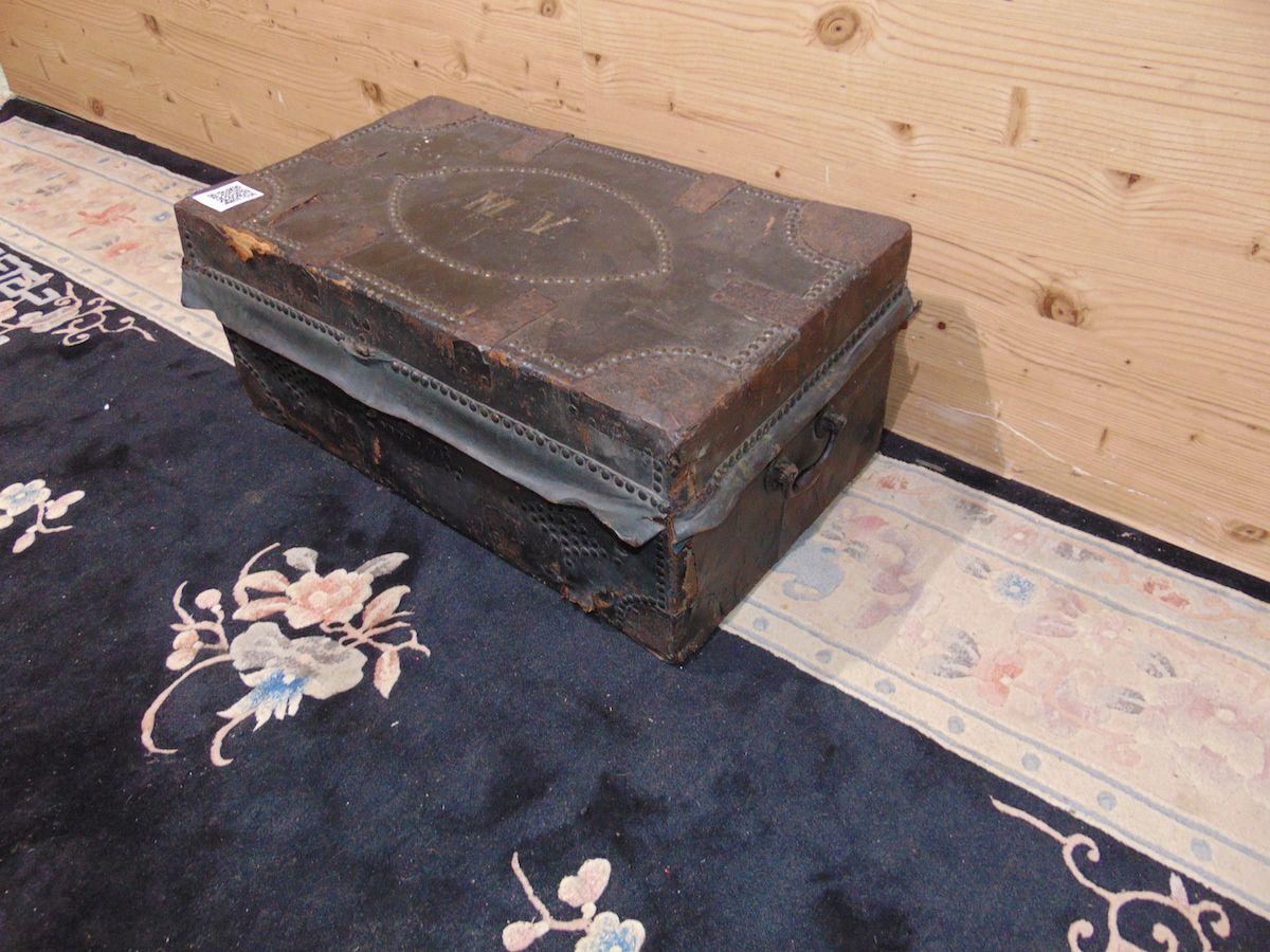 Leather trunk 2028....jpg