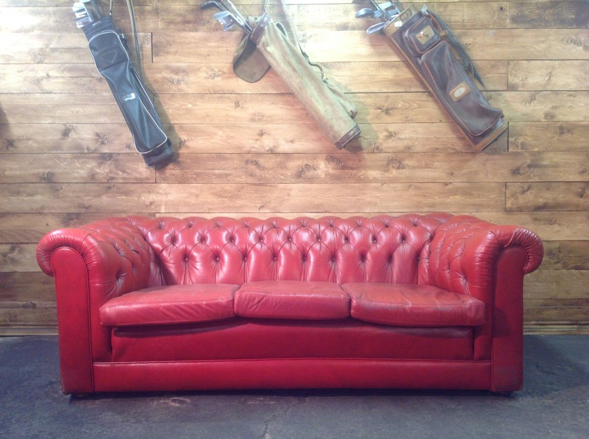 English vintage Chesterfield 3 seater sofa in genuine red leather img_3263-1200.jpg