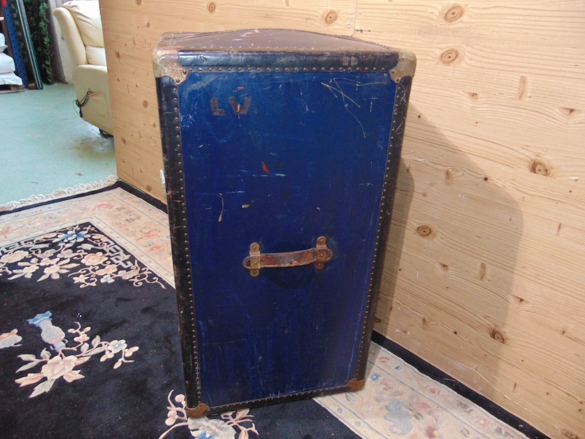Blue travel suitcase 2039....jpg