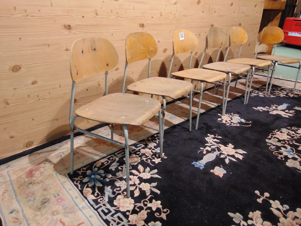 School chairs in iron and beech 2061...jpg