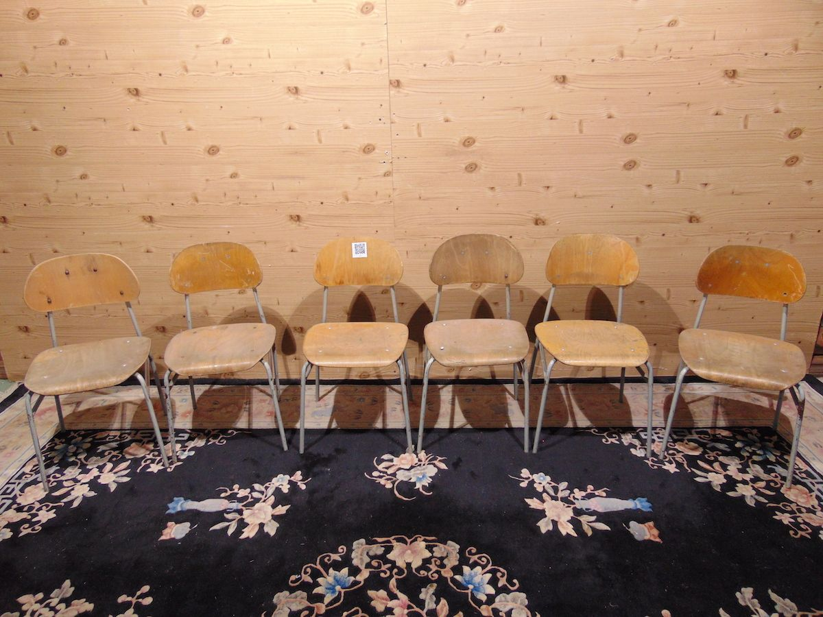 School chairs in iron and beech 2061..jpg