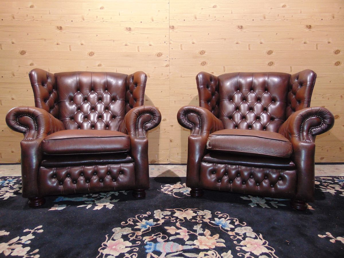 Brown Chesterfield Monk lounge 2182.jpg