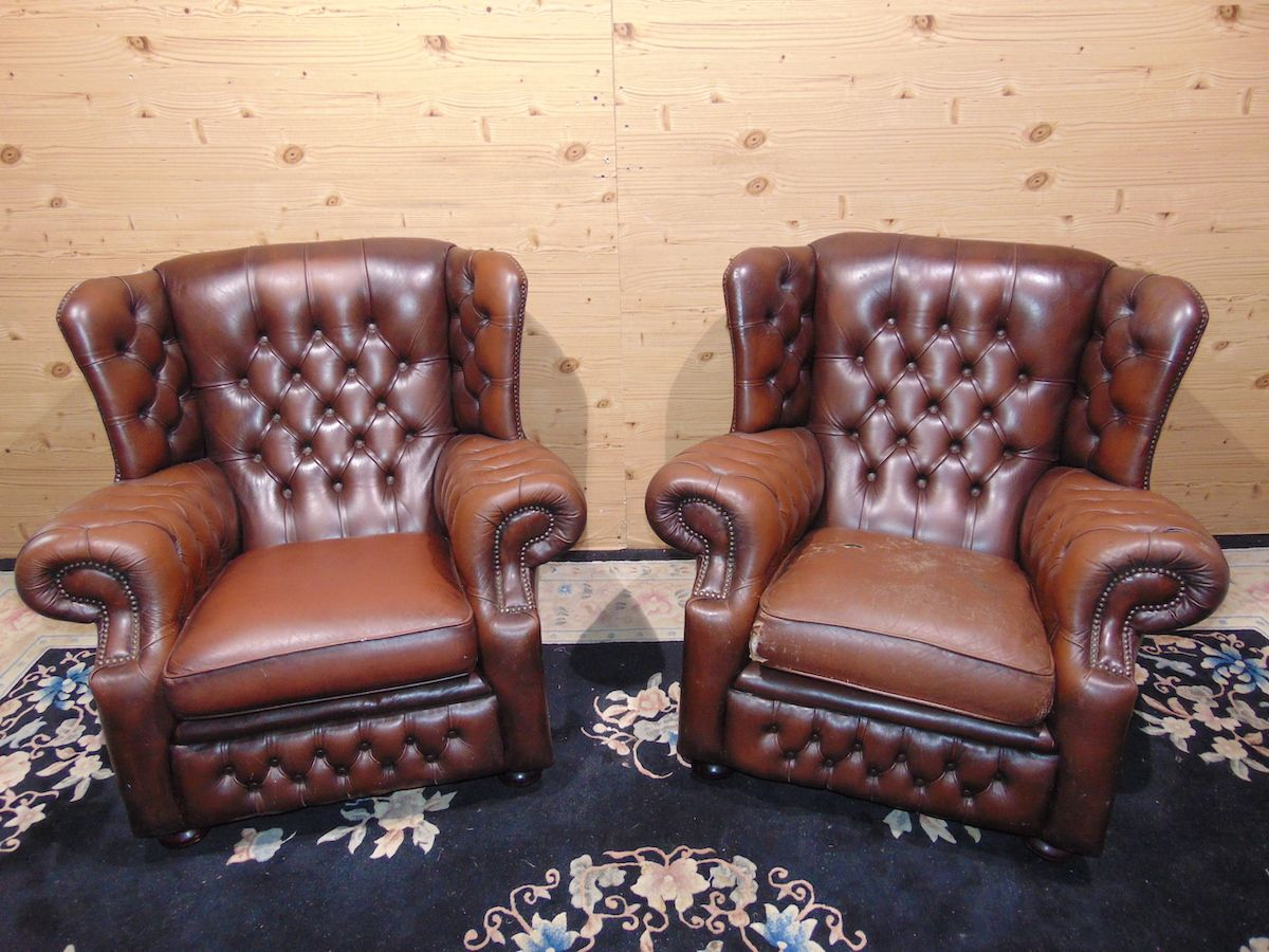 Brown Chesterfield Monk lounge 2182..jpg