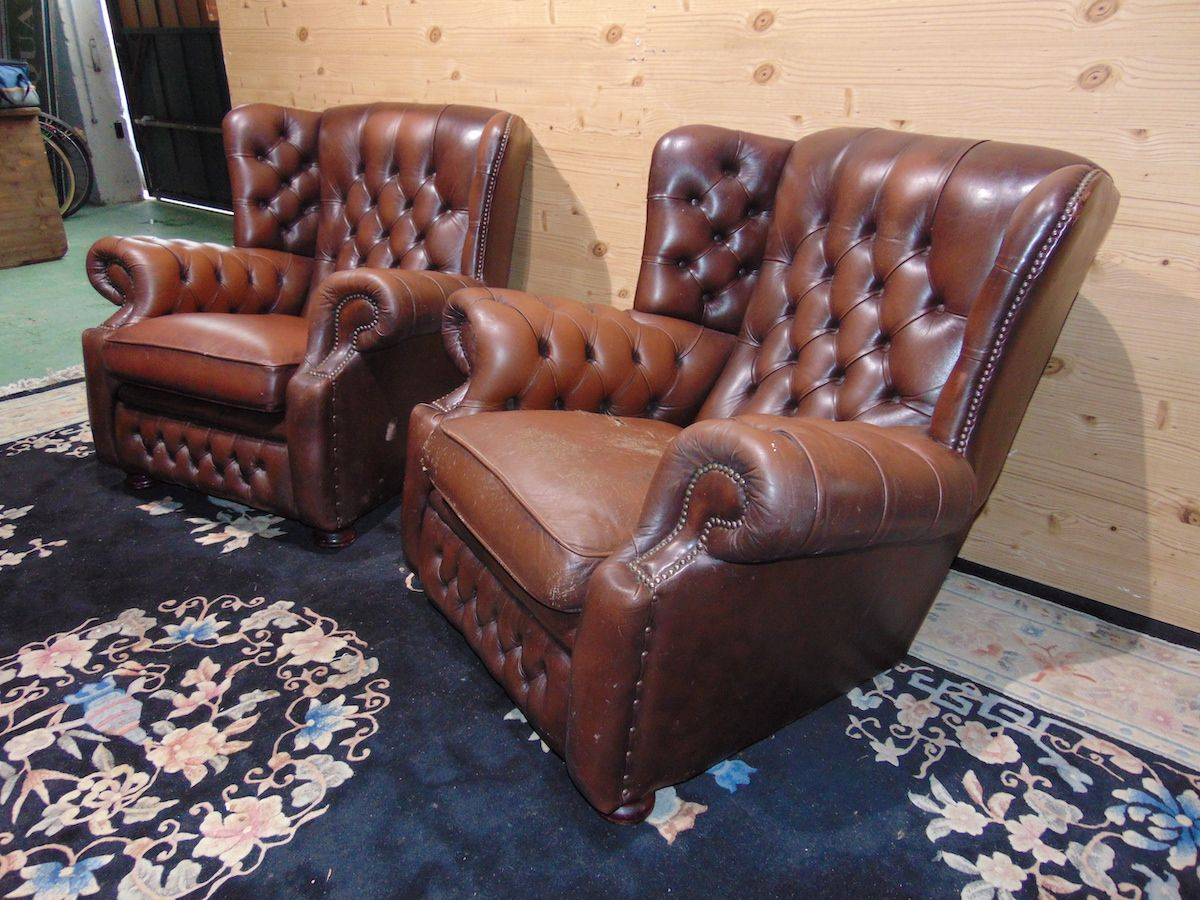 Brown Chesterfield Monk lounge 2182....jpg