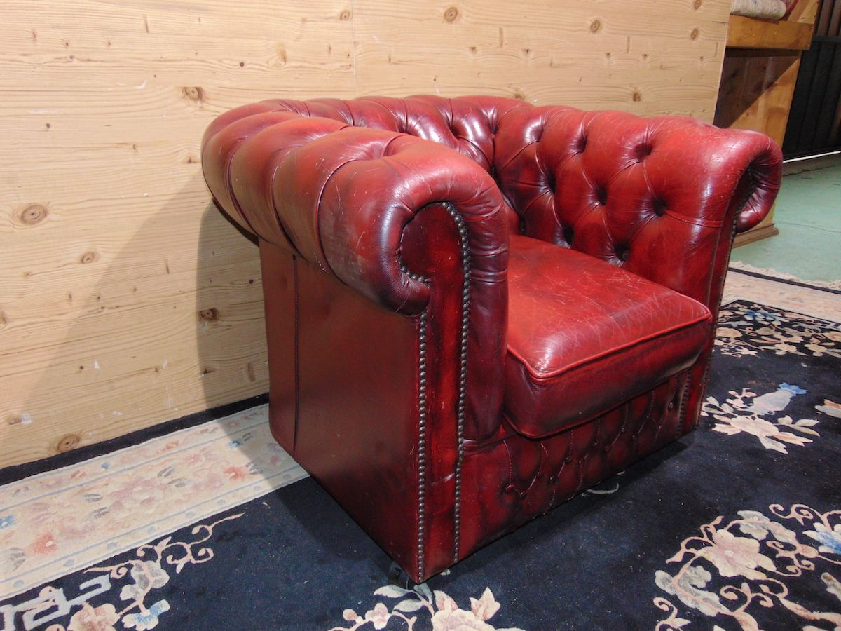 Poltrona Chesterfield Club bordeaux 2178...jpg