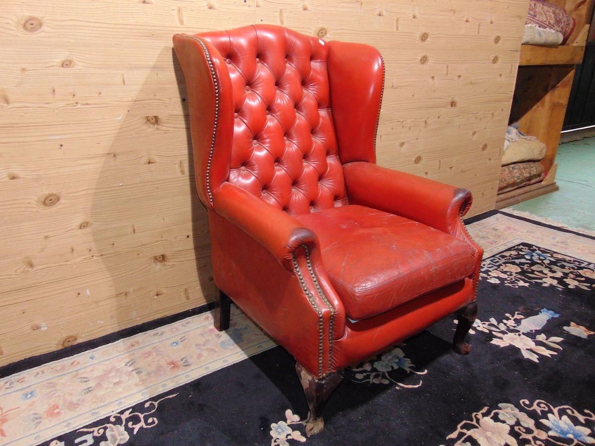 Chesterfield Queen Anne armchair red 2180...jpg