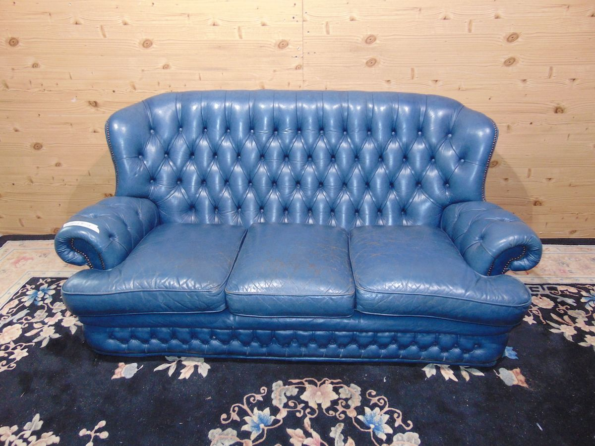 Salotto Chesterfield blu 2191.jpg