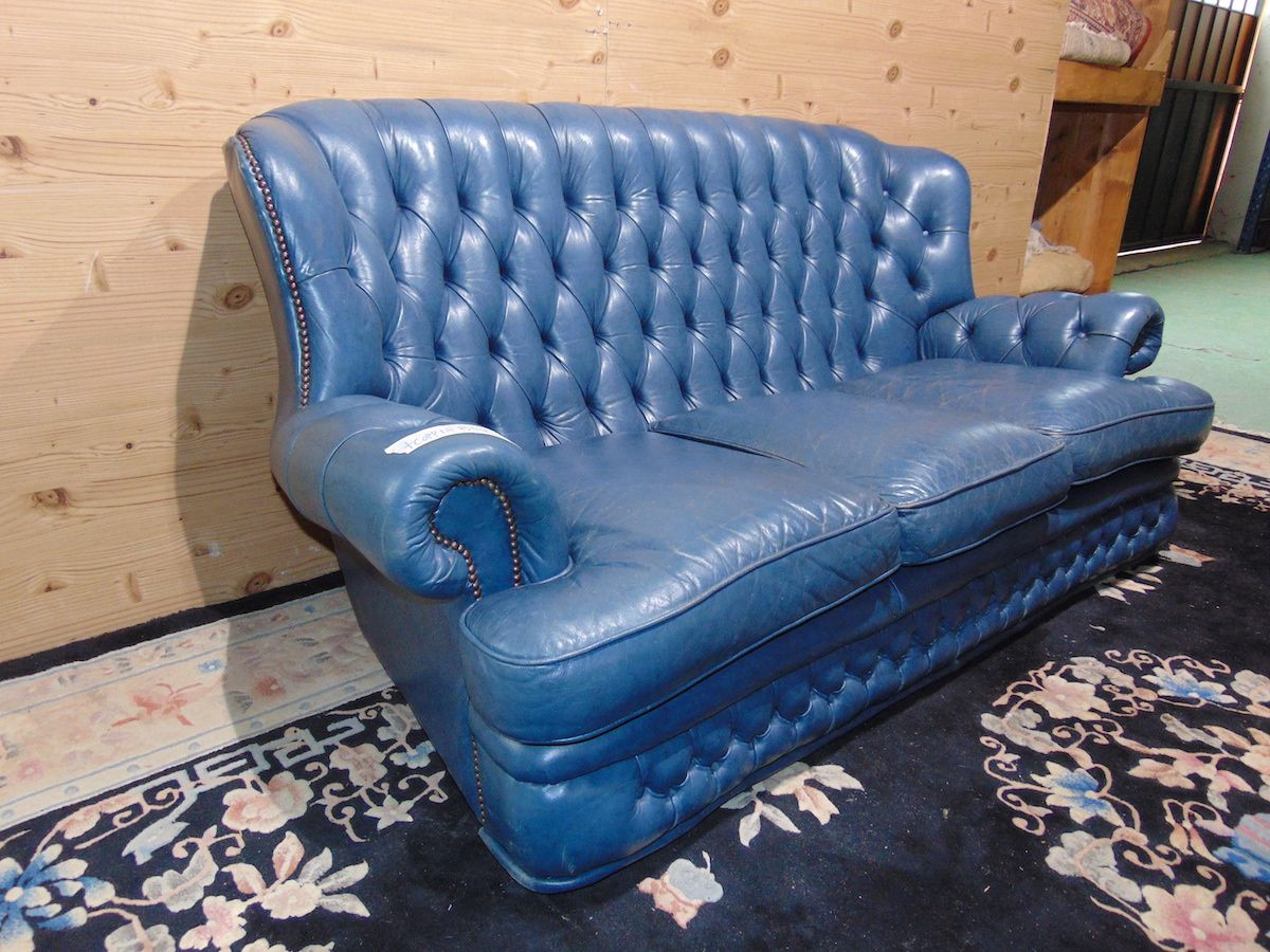 Salotto Chesterfield blu 2191..jpg