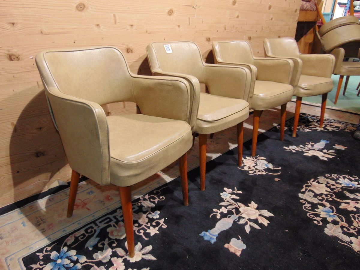 Cockpit armchairs in leather 2228...jpg