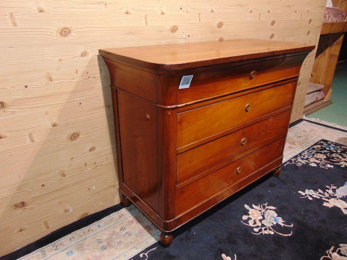 Cassettone cappuccino in noce massello 2208.jpg